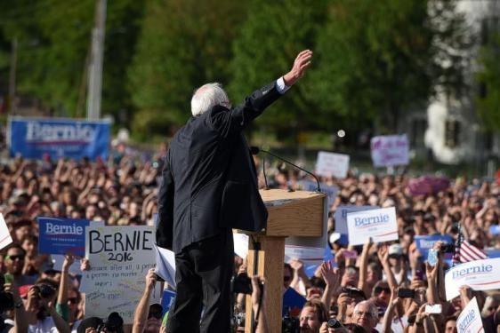 Bernie Heil white crowd